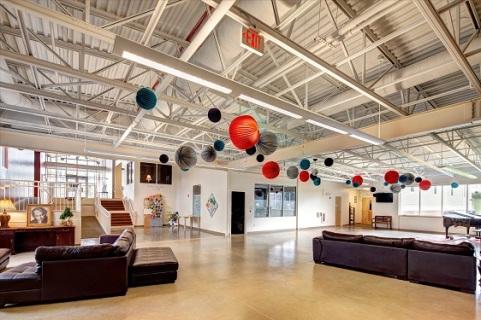 Galleria & foyer